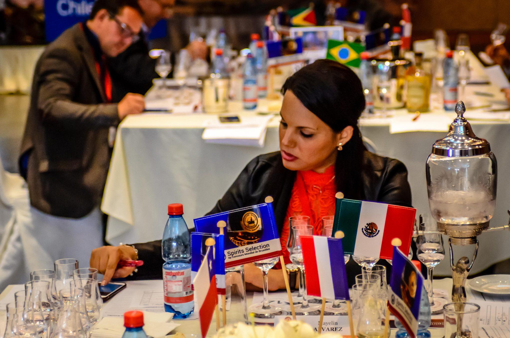 El vermouth berciano Forzudo, comienza su carrera de premios internacionales 2