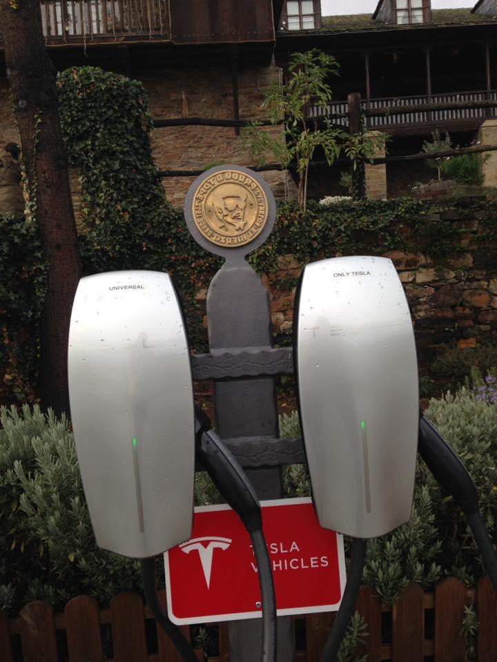 El Supercargador de coches eléctricos Tesla en El Bierzo ya tiene su espacio 4