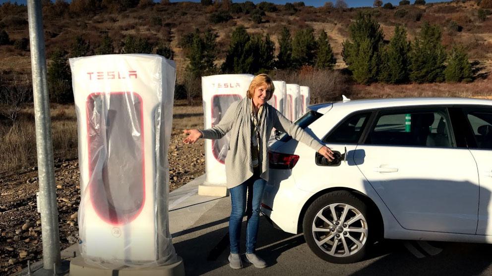 El Supercargador de coches eléctricos Tesla en El Bierzo ya tiene su espacio 2