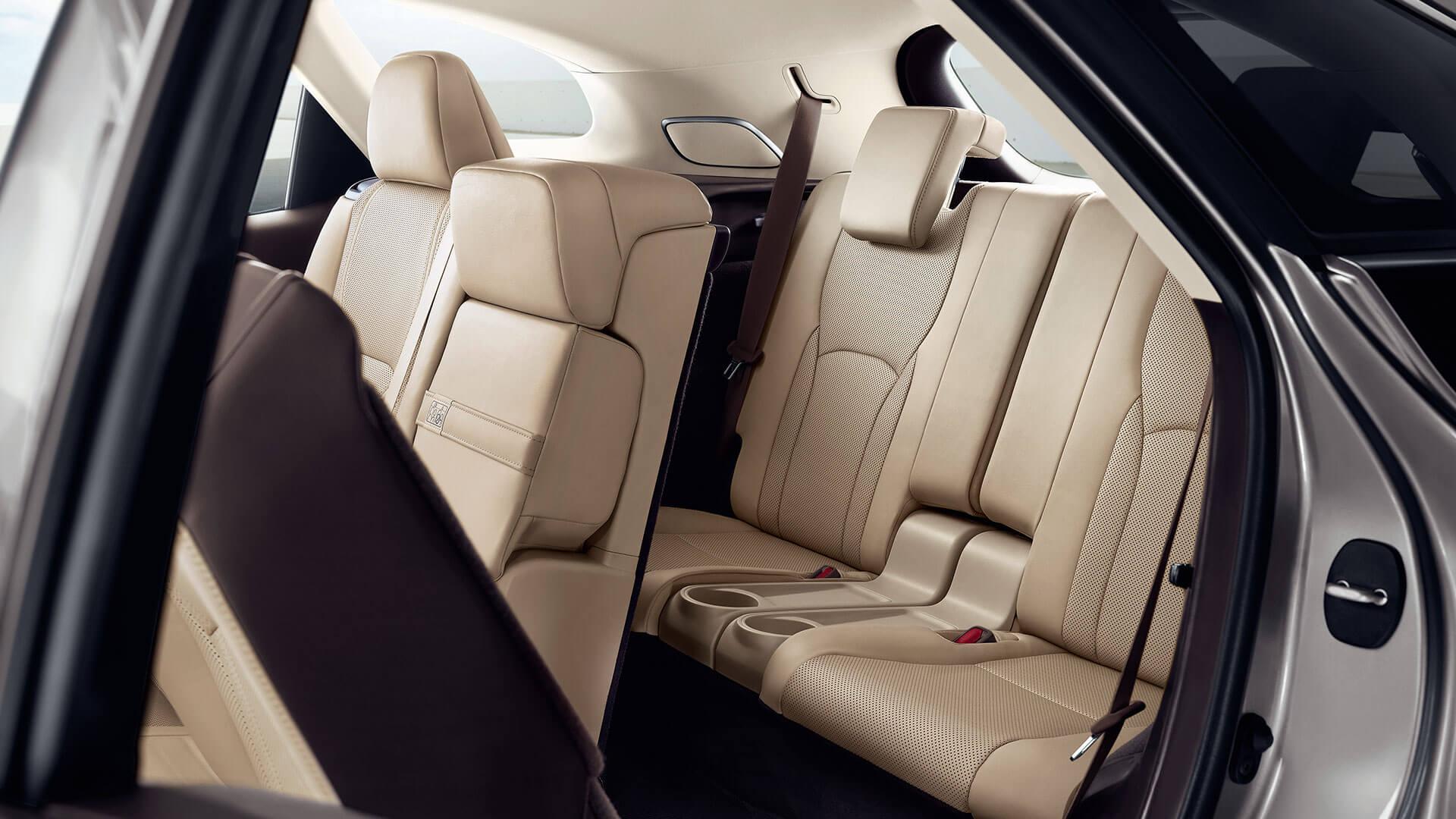 Nuevo Lexux RX 450h L (7 Plazas) 4