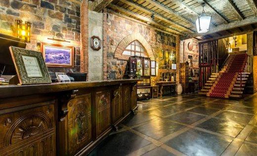 50 años del Hotel del Temple en Ponferrada, el capricho de Pedro Barrios 27
