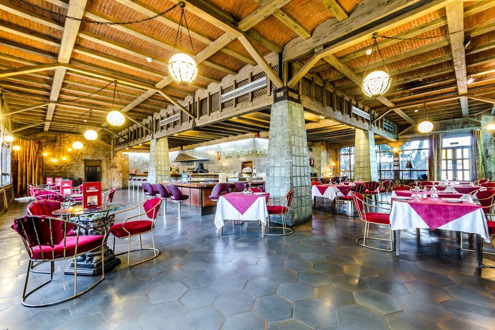 50 años del Hotel del Temple en Ponferrada, el capricho de Pedro Barrios 28