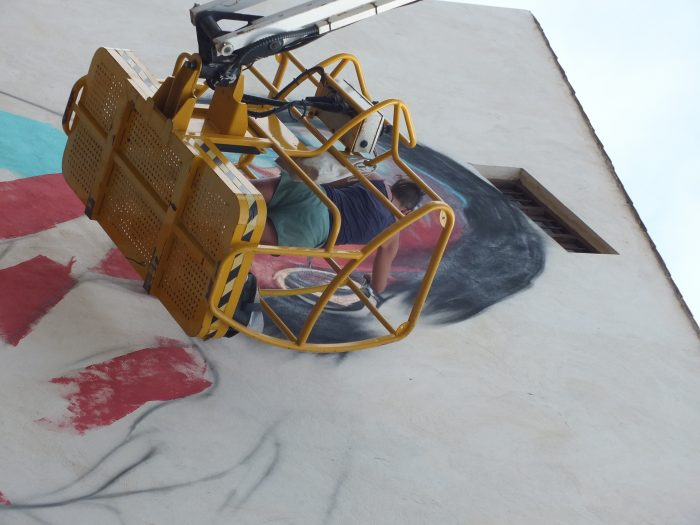 Mezclar berzas con graffitis, la I Residencia Artística MARCA STREET ART PROJECT revoluciona Cacabelos 3