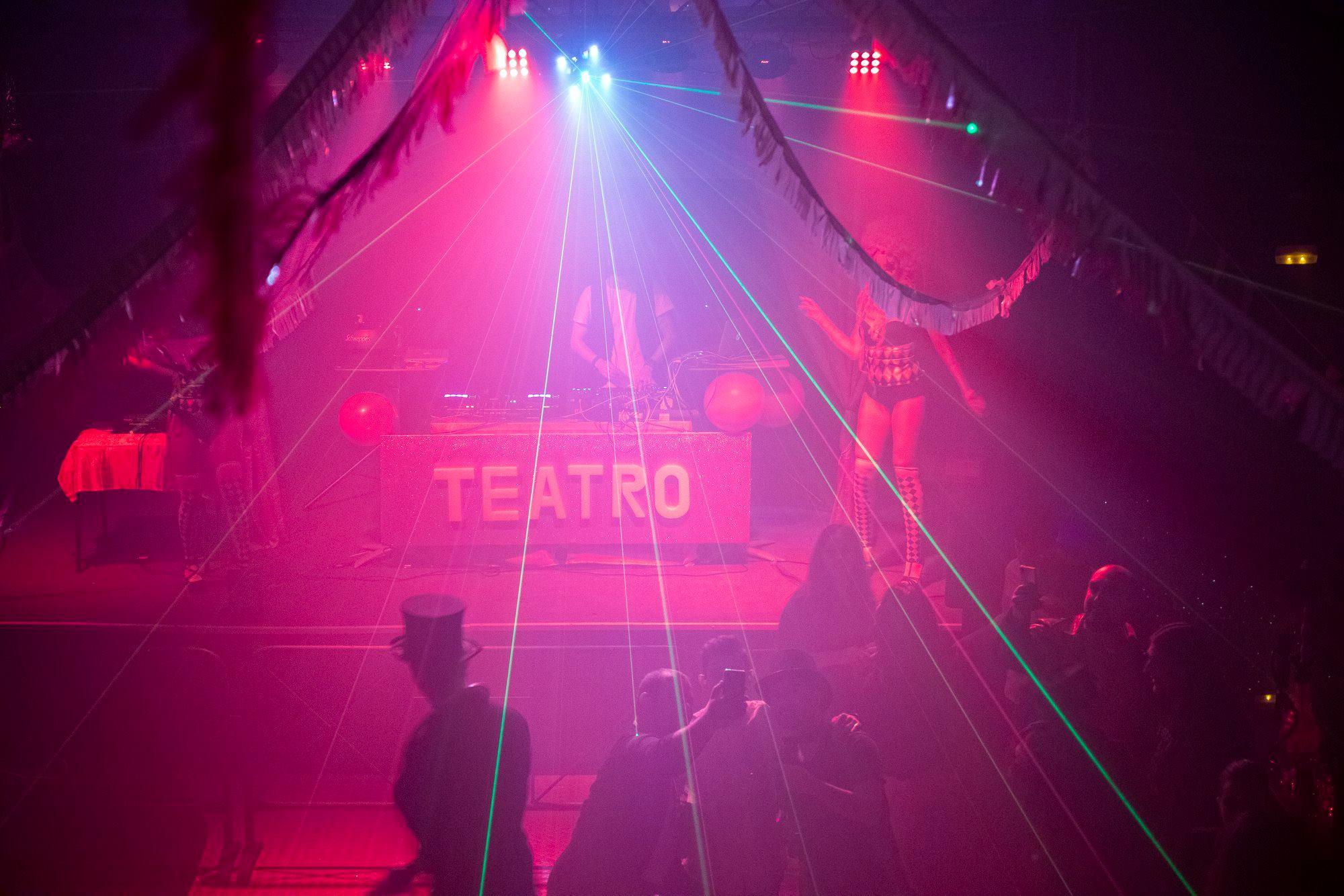 Fotogalería sesión opening 'Teatre le cirque du freak' 96