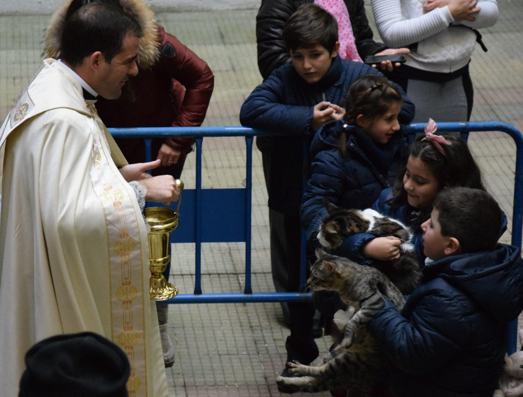 Mascotas y alumnos de San Ignacio celebraron la festividad de San Antón 2