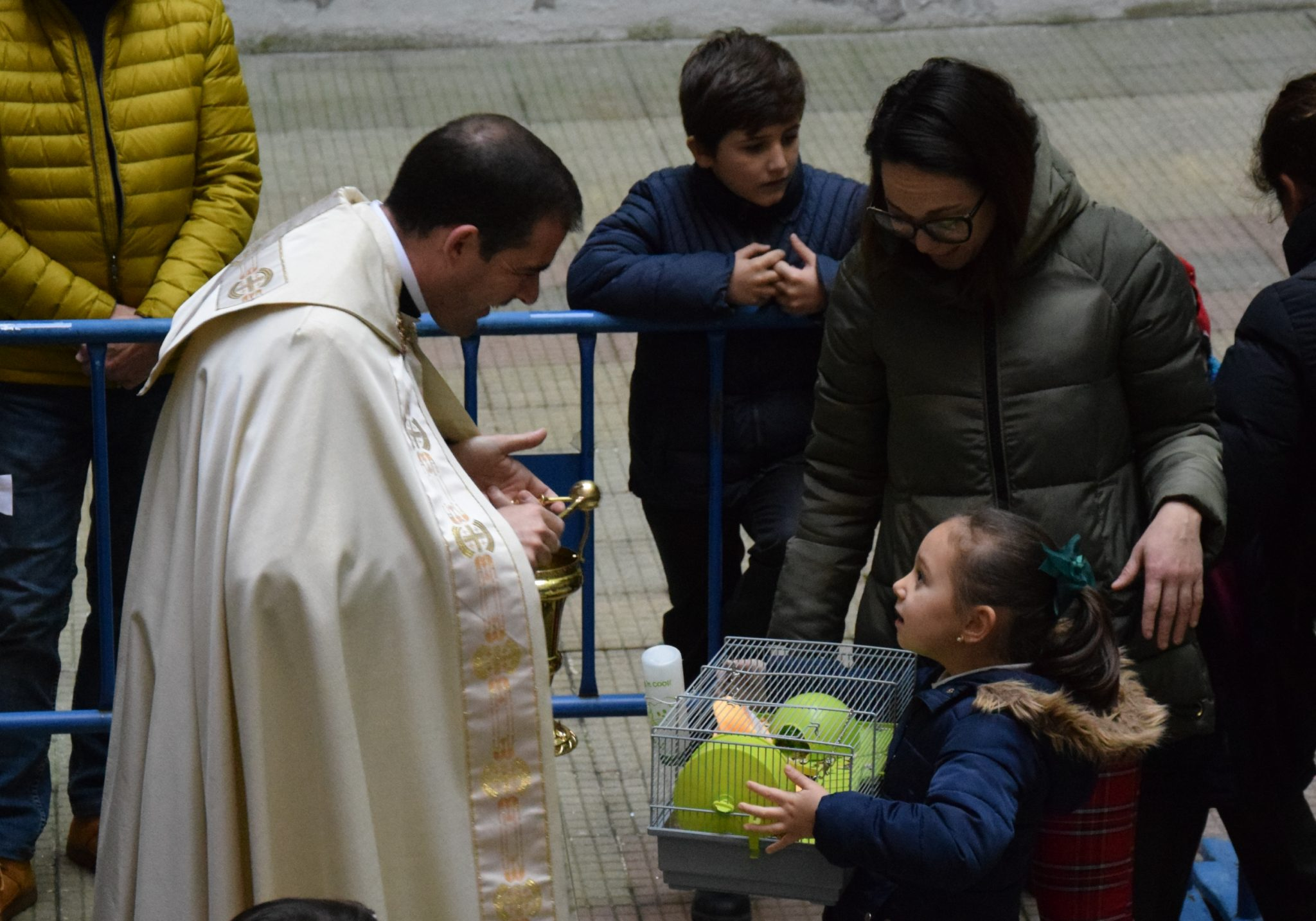 Mascotas y alumnos de San Ignacio celebraron la festividad de San Antón 3
