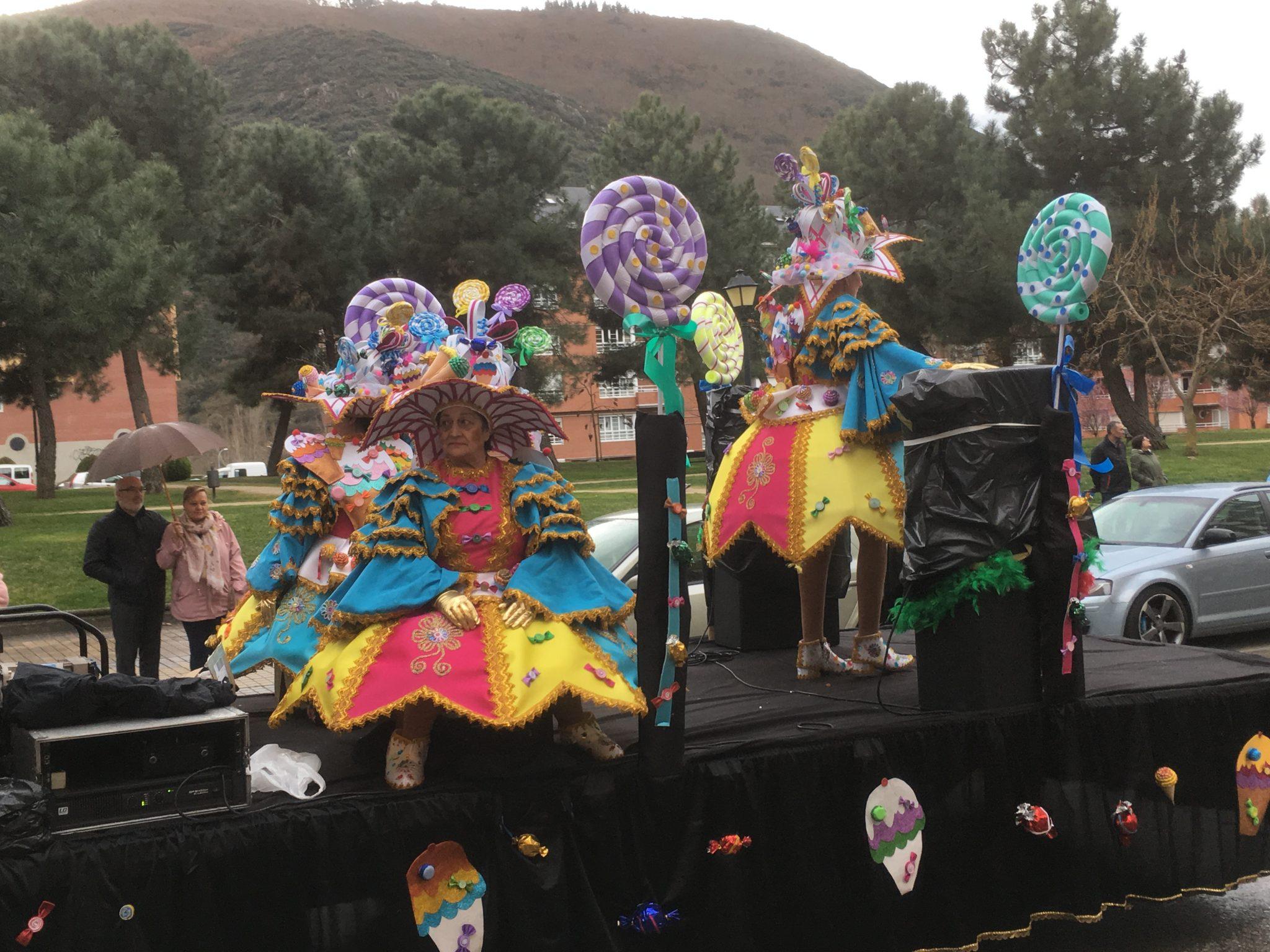 Álbum de fotos del martes de Carnaval 2019 en Ponferrada 60