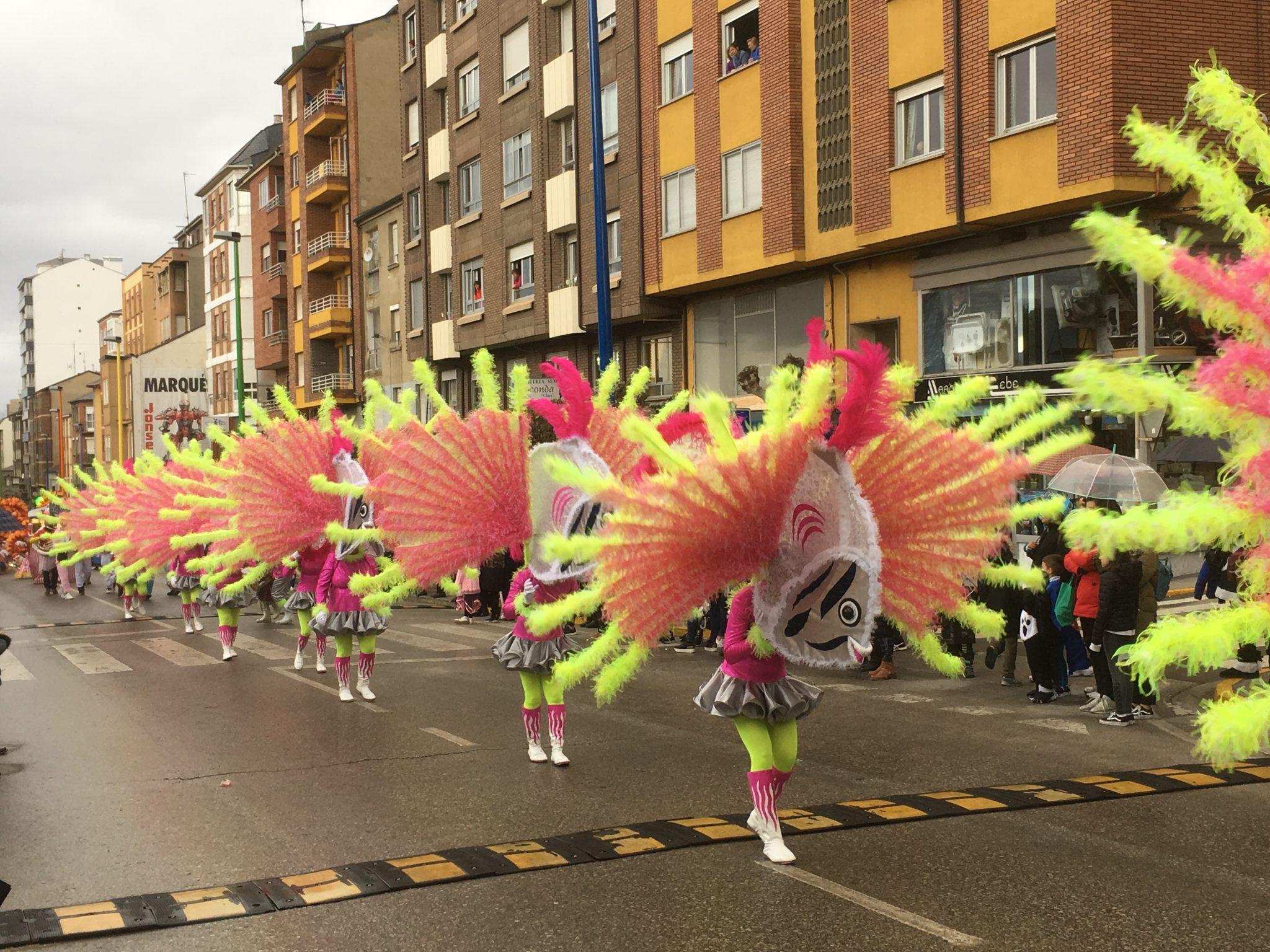 Álbum de fotos del martes de Carnaval 2019 en Ponferrada 24