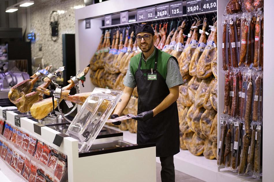 Mercadona Avenida de los Escritores reabre sus puertas tras una reforma de más de 2 millones de Euros 4