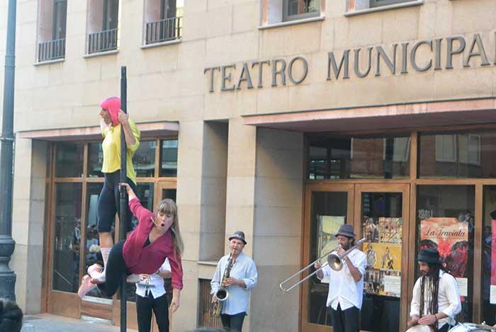 El Teatro Bergidum abre la temporada 'por los aires' 3