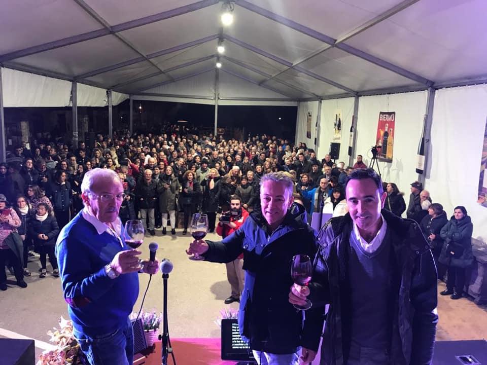 Sergio Sauca estrena el primer vino del año con el deseo de retransimitir el primer partido de la Ponferradina en Primera División 2