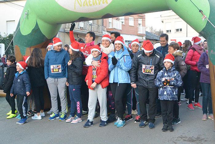 La tradicional carrera del turrón animó la Navidad de Cubillos del Sil 4