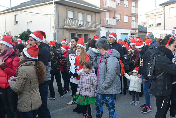 La tradicional carrera del turrón animó la Navidad de Cubillos del Sil 5