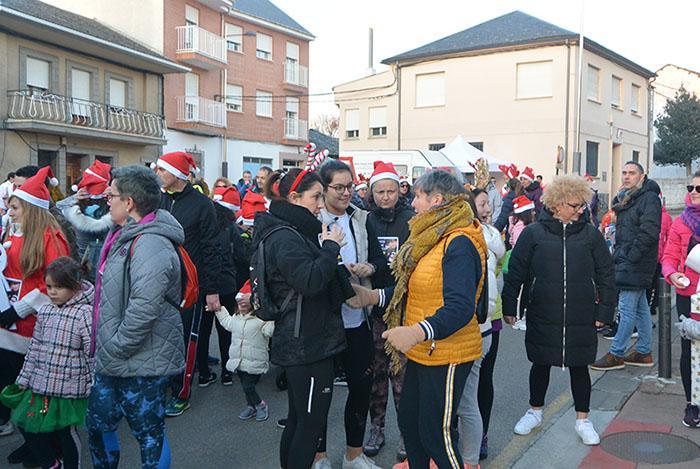 La tradicional carrera del turrón animó la Navidad de Cubillos del Sil 6