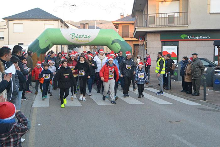 La tradicional carrera del turrón animó la Navidad de Cubillos del Sil 8