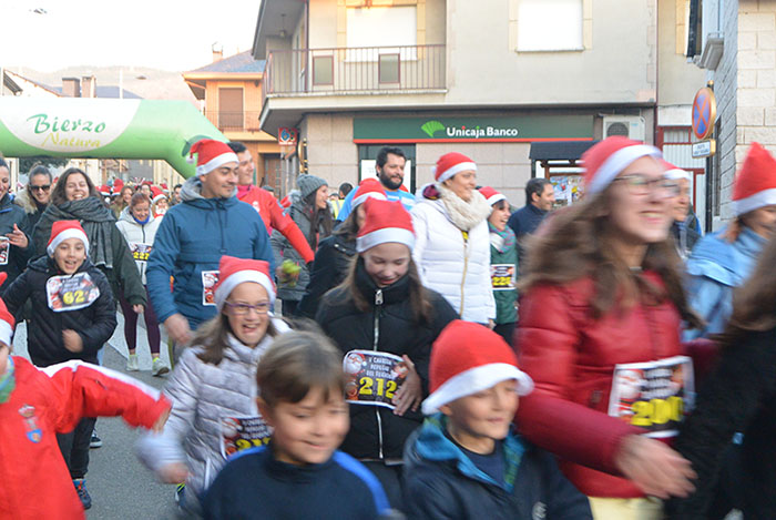La tradicional carrera del turrón animó la Navidad de Cubillos del Sil 10