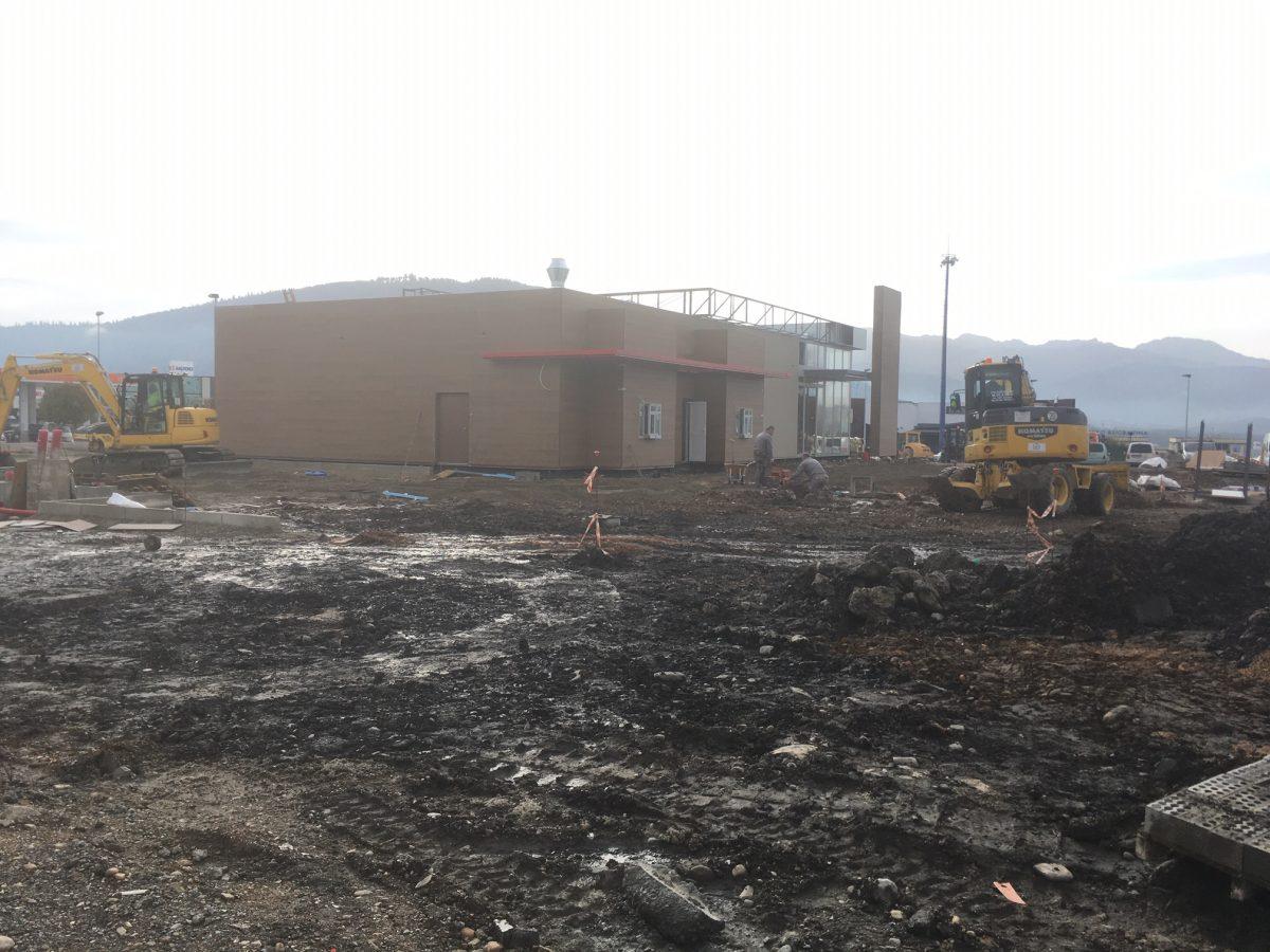 El nuevo Burger King de Ponferrada arma su estructura modular en tiempo récord 3