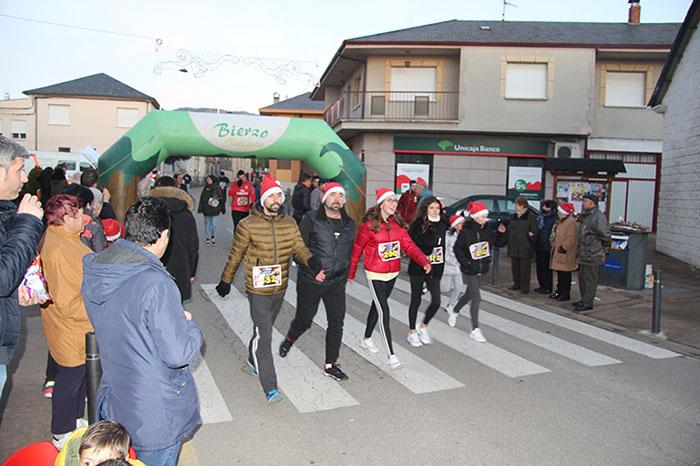 La tradicional carrera del turrón animó la Navidad de Cubillos del Sil 120