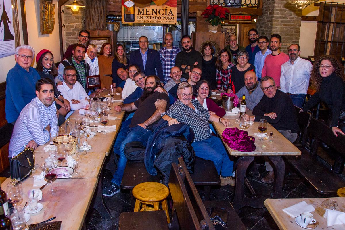 José Manuel Parada galardonado 'Lambrión Chupacandiles' en la cena anual de periodistas bercianos en Madrid 2