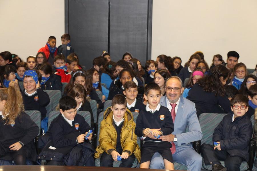 Los niños de Ponferrada visitan el Ayuntamiento con motivo del Día de la Constitución Española 2