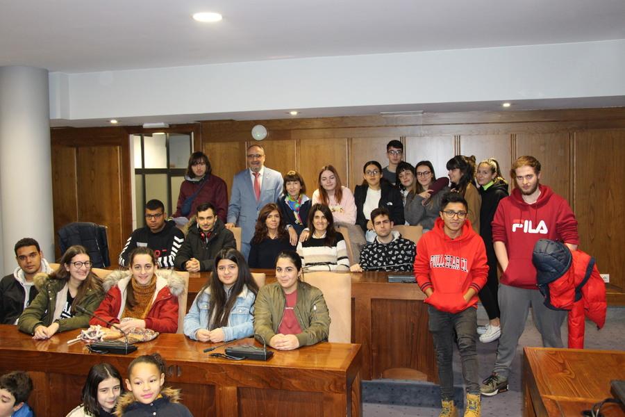 Los niños de Ponferrada visitan el Ayuntamiento con motivo del Día de la Constitución Española 3