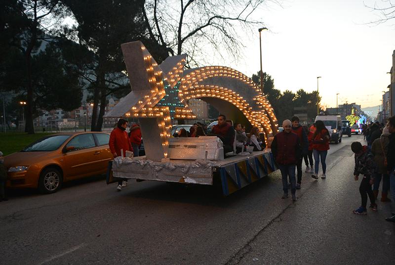 Sus Majestades los Reyes Magos de Oriente pasean por la ciudad en el tradicional desfile 33