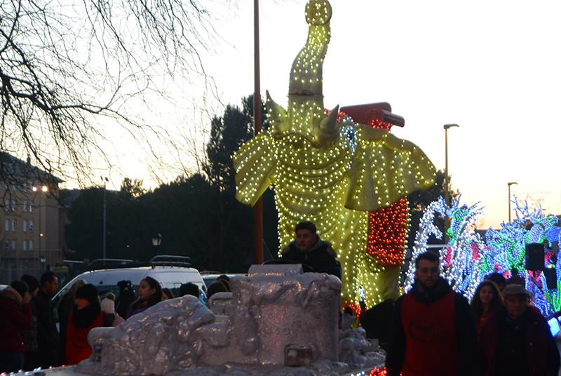 Sus Majestades los Reyes Magos de Oriente pasean por la ciudad en el tradicional desfile 31