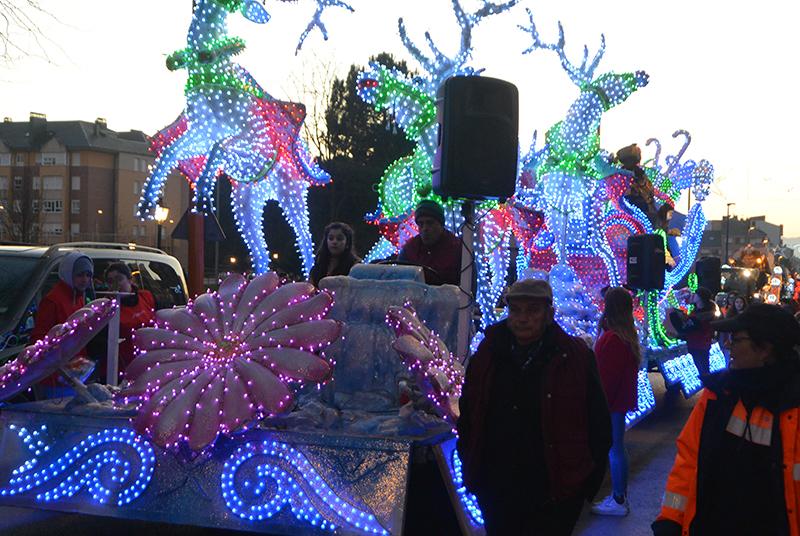 Sus Majestades los Reyes Magos de Oriente pasean por la ciudad en el tradicional desfile 26