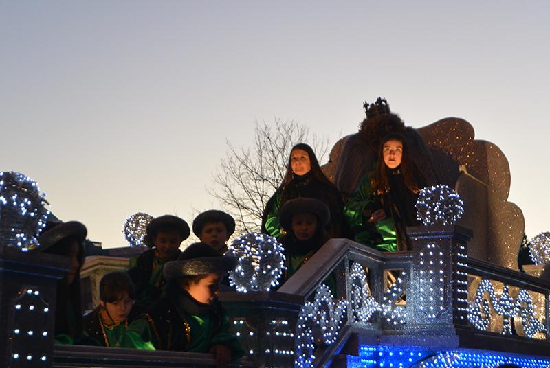 Sus Majestades los Reyes Magos de Oriente pasean por la ciudad en el tradicional desfile 14
