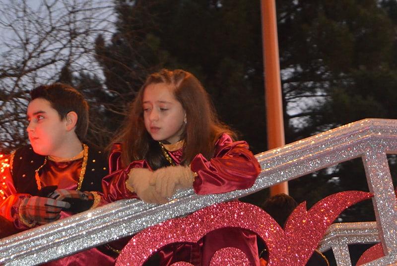 Sus Majestades los Reyes Magos de Oriente pasean por la ciudad en el tradicional desfile 9