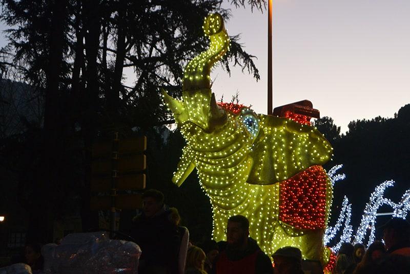 Sus Majestades los Reyes Magos de Oriente pasean por la ciudad en el tradicional desfile 8