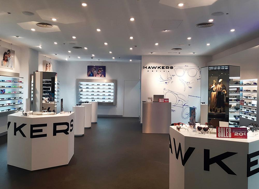 Hawkers abre su tienda en el Centro Comercial El Rosal 4