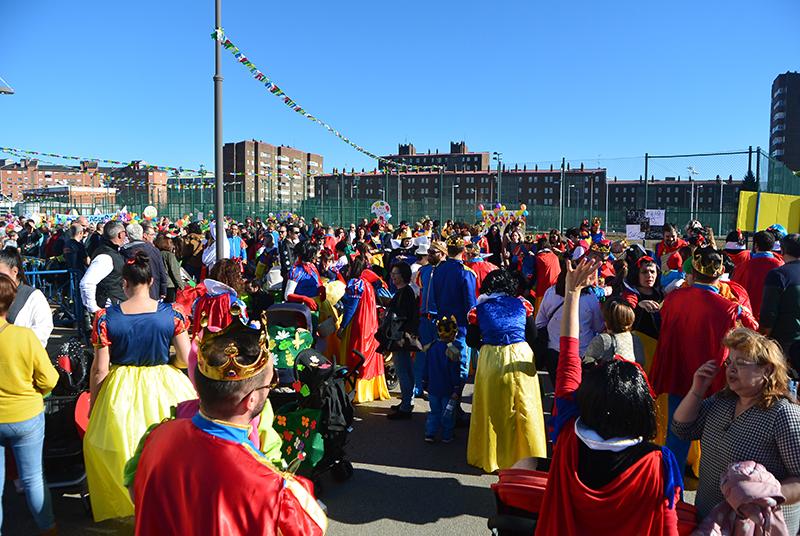 Ponferrada llena las calles de ilusión en el Carnaval infantil 2020 2