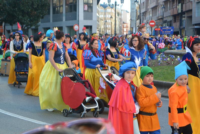 Ponferrada llena las calles de ilusión en el Carnaval infantil 2020 35