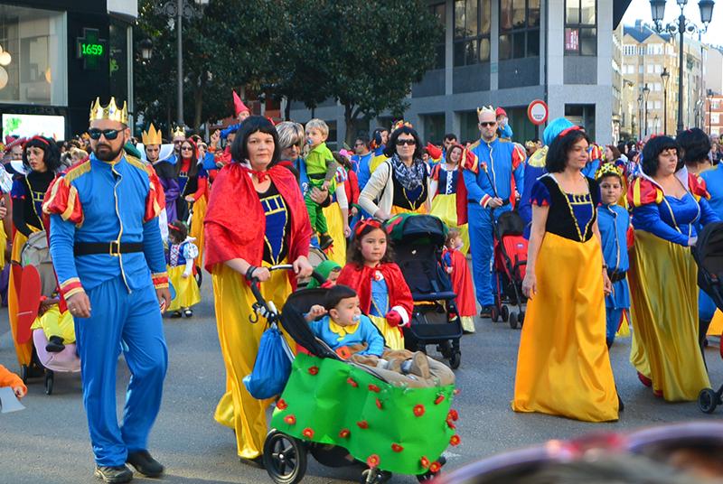 Ponferrada llena las calles de ilusión en el Carnaval infantil 2020 36