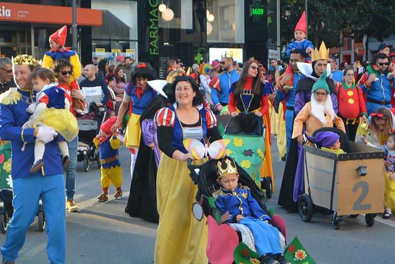 Ponferrada llena las calles de ilusión en el Carnaval infantil 2020 38