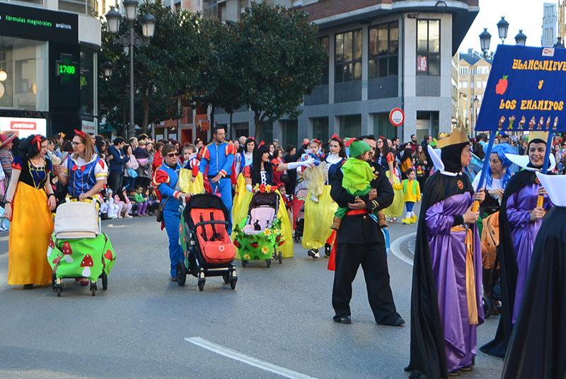 Ponferrada llena las calles de ilusión en el Carnaval infantil 2020 41