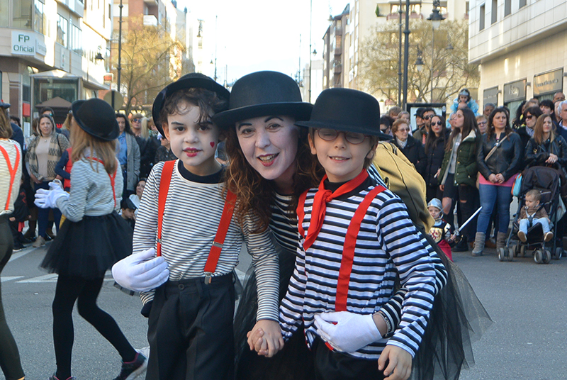 Ponferrada llena las calles de ilusión en el Carnaval infantil 2020 95