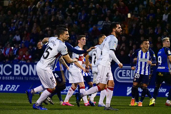 La Ponferradina endereza el rumbo y deja en casa tres merecidos puntos (3-1) 2