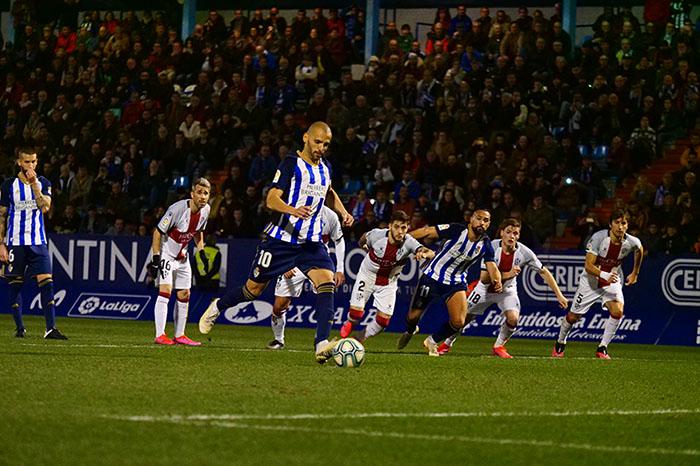 La Ponferradina endereza el rumbo y deja en casa tres merecidos puntos (3-1) 8