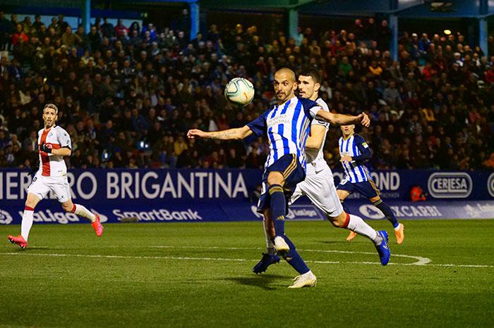 La Ponferradina endereza el rumbo y deja en casa tres merecidos puntos (3-1) 23