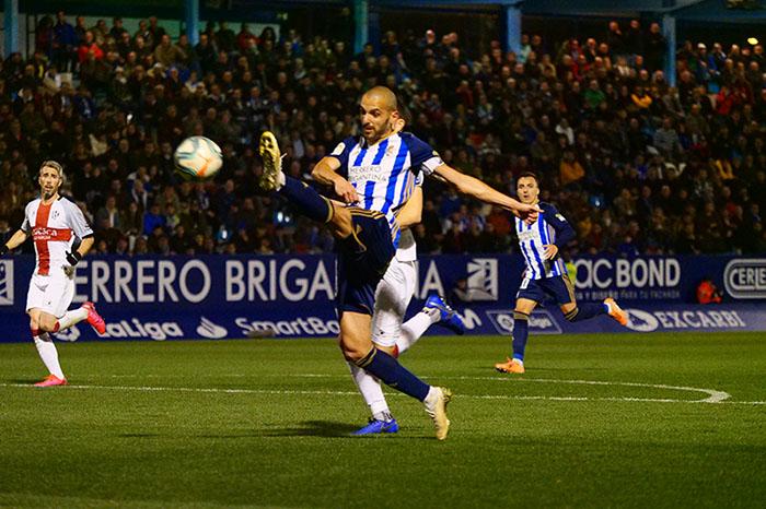 La Ponferradina endereza el rumbo y deja en casa tres merecidos puntos (3-1) 24