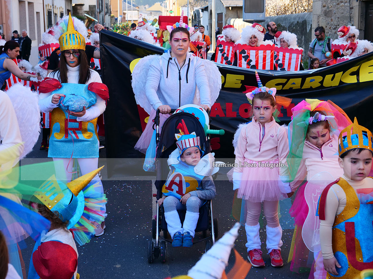 Carnaval 2020: Camponaraya sale a la calle a ritmo de comparsa 11
