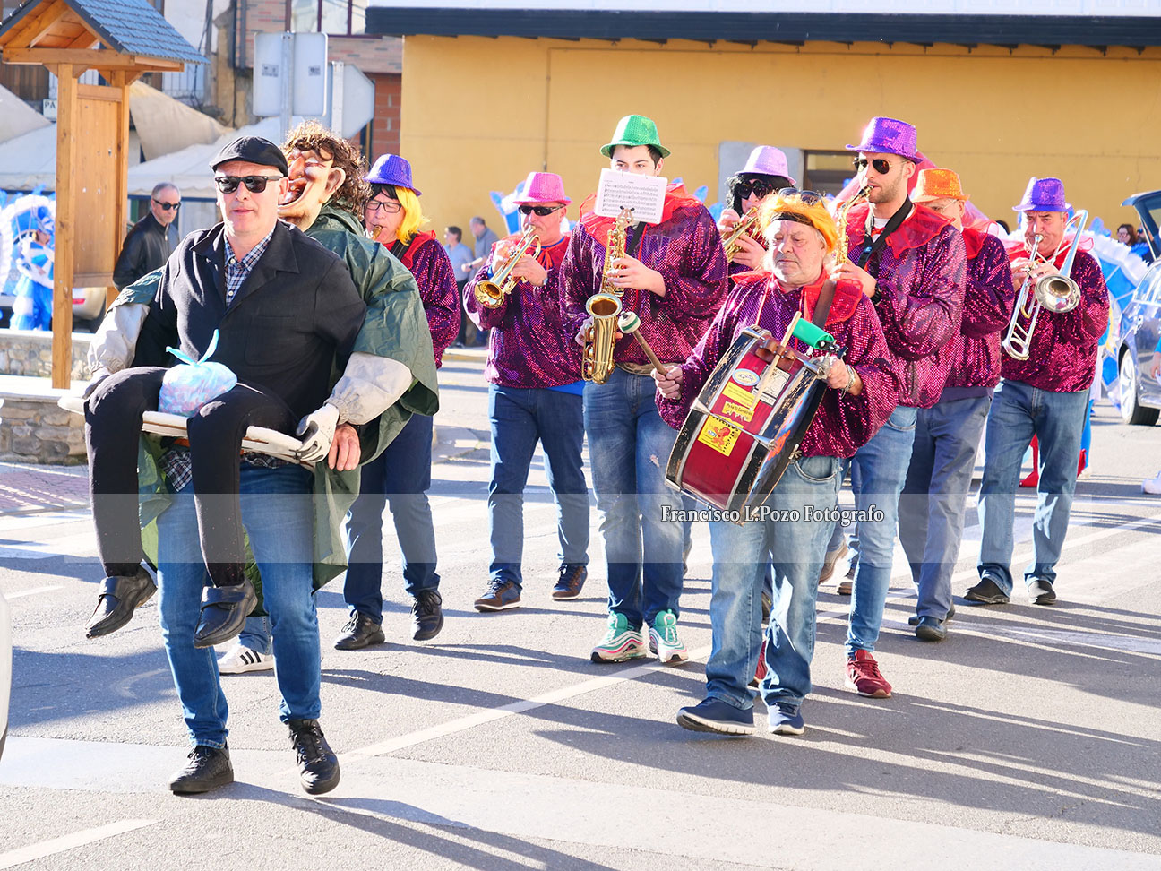 Carnaval 2020: Camponaraya sale a la calle a ritmo de comparsa 118