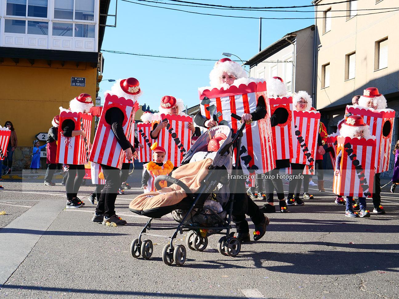 Carnaval 2020: Camponaraya sale a la calle a ritmo de comparsa 130