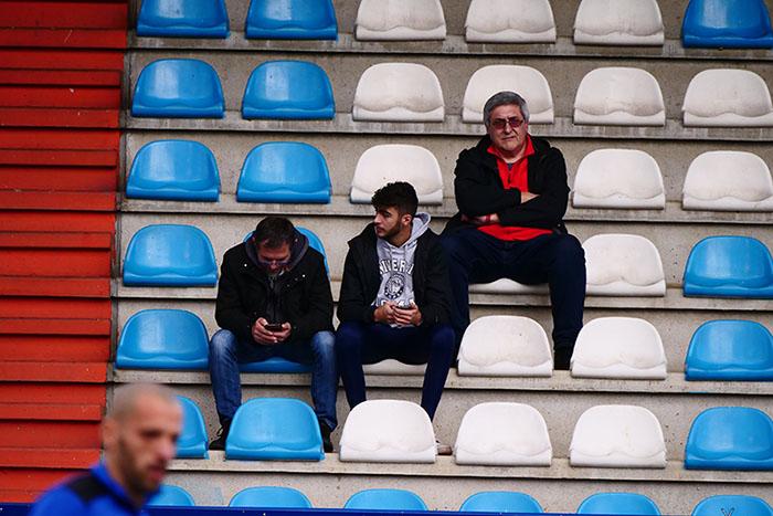 FOTOGALERÍA // La grada de El Toralín disfruta de una tarde de victoria ante el Huesca 36
