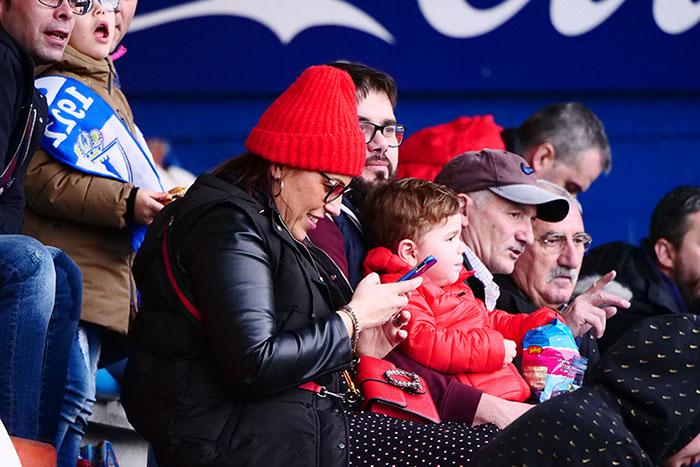 FOTOGALERÍA // La grada de El Toralín disfruta de una tarde de victoria ante el Huesca 63