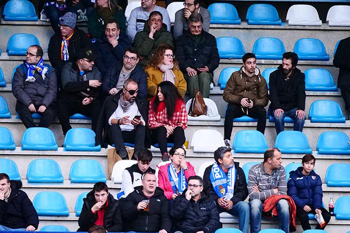 FOTOGALERÍA // La grada de El Toralín disfruta de una tarde de victoria ante el Huesca 92