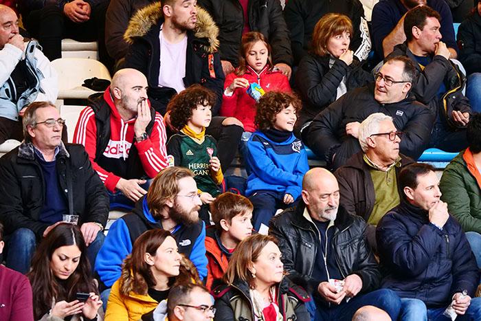 FOTOGALERÍA // La grada de El Toralín disfruta de una tarde de victoria ante el Huesca 109