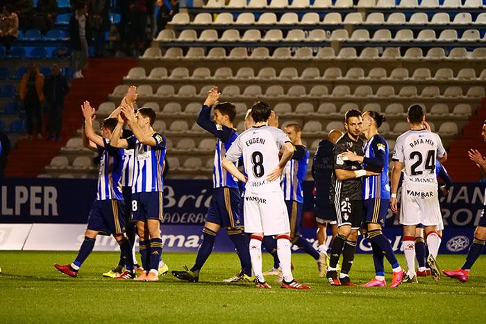 FOTOGALERÍA // La grada de El Toralín disfruta de una tarde de victoria ante el Huesca 165